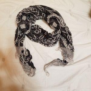 Flowy print scarf
